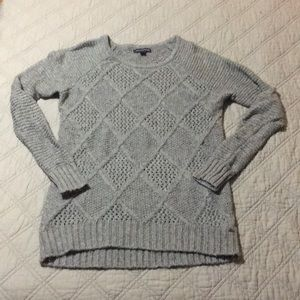 American Eagle Semi fitted sweater